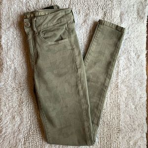 American eagle high rise camo jegging jeans size 2